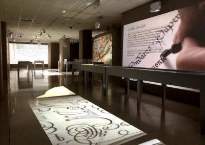 """Visitas guiadas a la exposición """"Patrimonio en papel""""."""